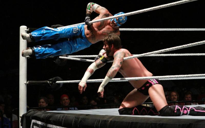 CM Punk vs. Rey Mysterio. WWE House Show, 6/26/11