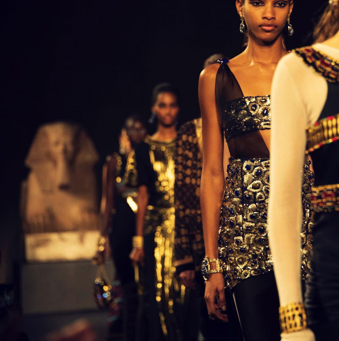 Blog Walk Like An Egyptian How Modern Fashion Appropriates Antiquity Society For Classical Studies